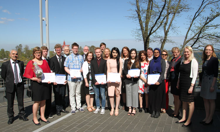 Winners of the League of Finnish-American Societies essay contest (© State Dept.)